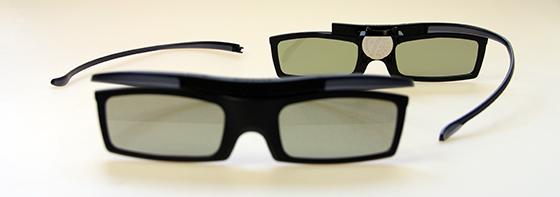 Samsung-UE55F7000-3D-Brillen-Montage
