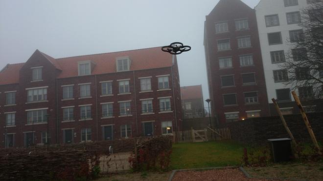Parrot AR.Drone 2.0 Hoog