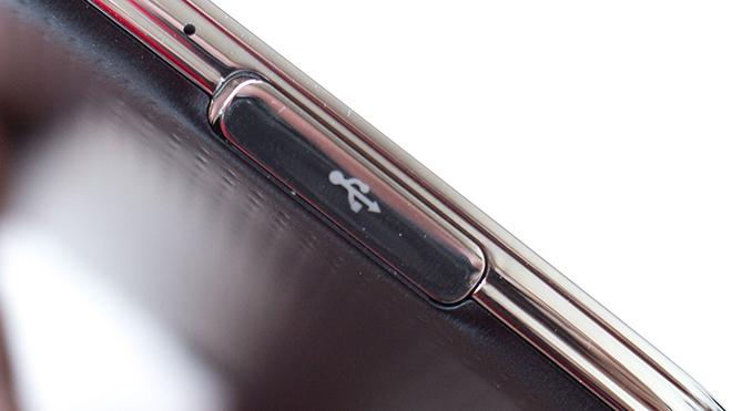 Samsung-Galaxy-S5-USB