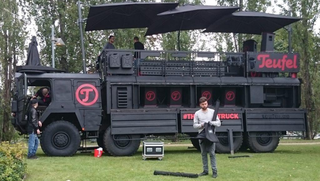 Teufel-truck