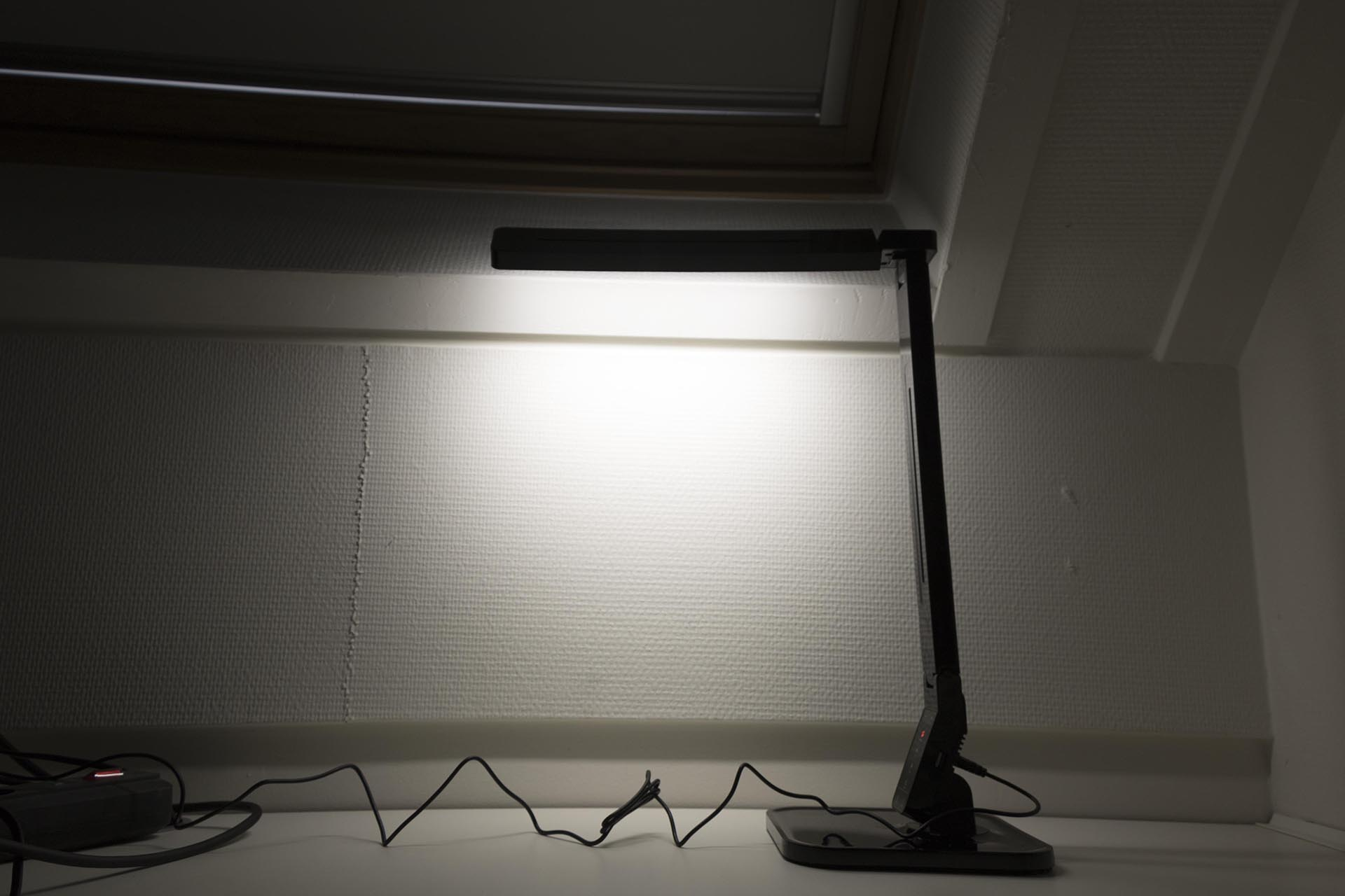Review Dream Led Desk Sensor Led Lamp Gadgetgear Nl