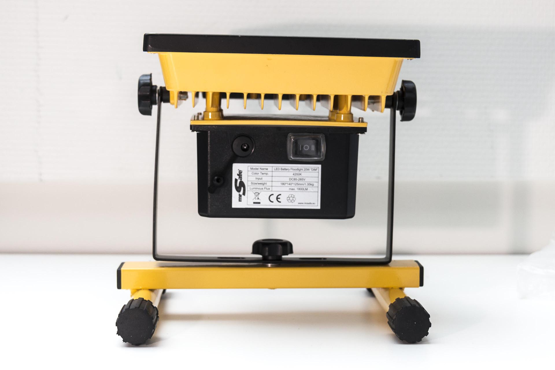 Mr Safe Dimmable Battery LED Floodlight 20W_MG_8182