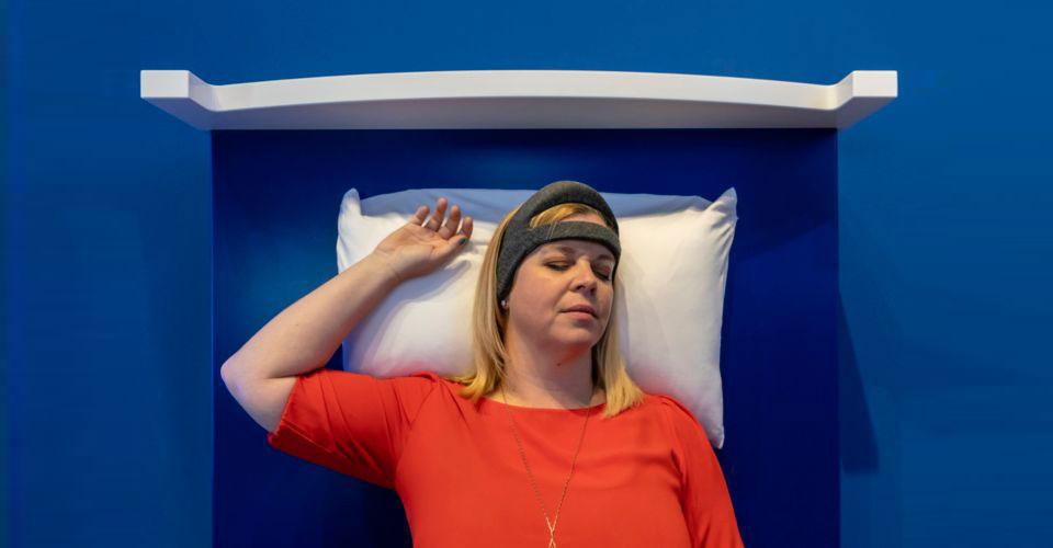 ifa beter slapen met de philips smartsleep. Black Bedroom Furniture Sets. Home Design Ideas