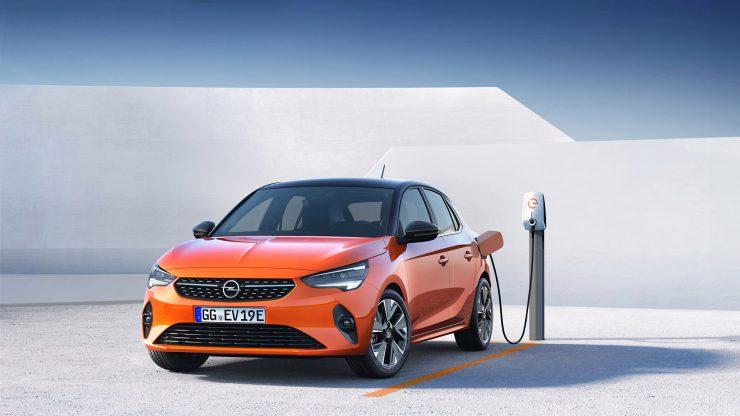 Opel Corsa-e 2019 aan de lader