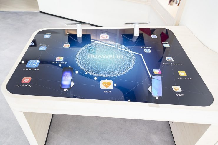 Huawei Space Madrid Tafel