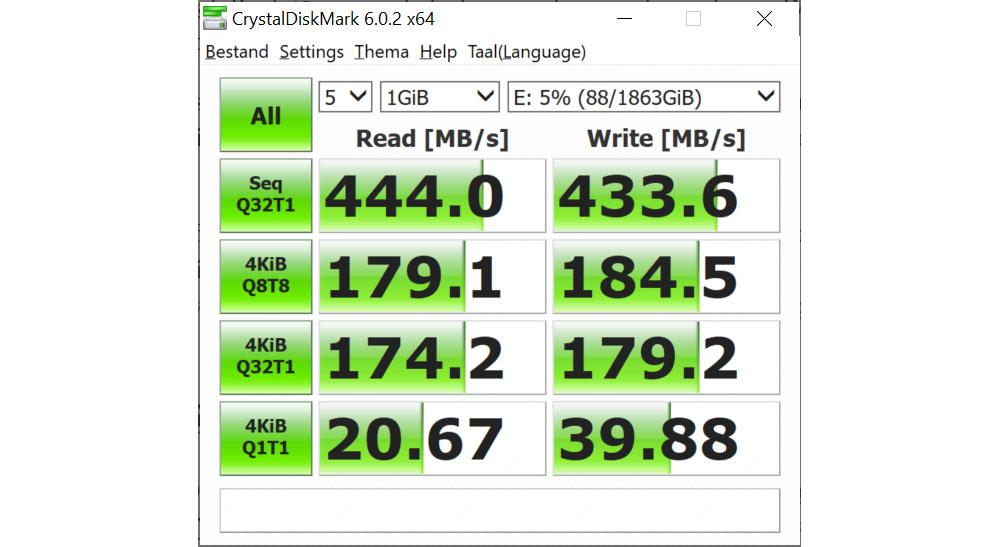 LaCie Portable SSD 2TB Crystal Diskmark