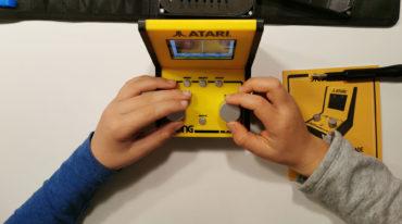 Atari Mini Arcade Pong in gebruik