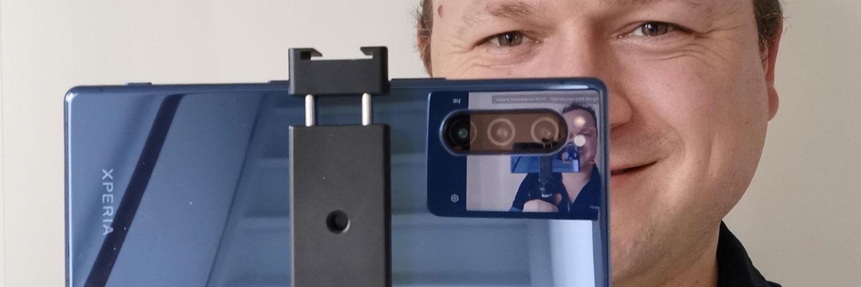 Black Eye Filming grip met Xperia 5
